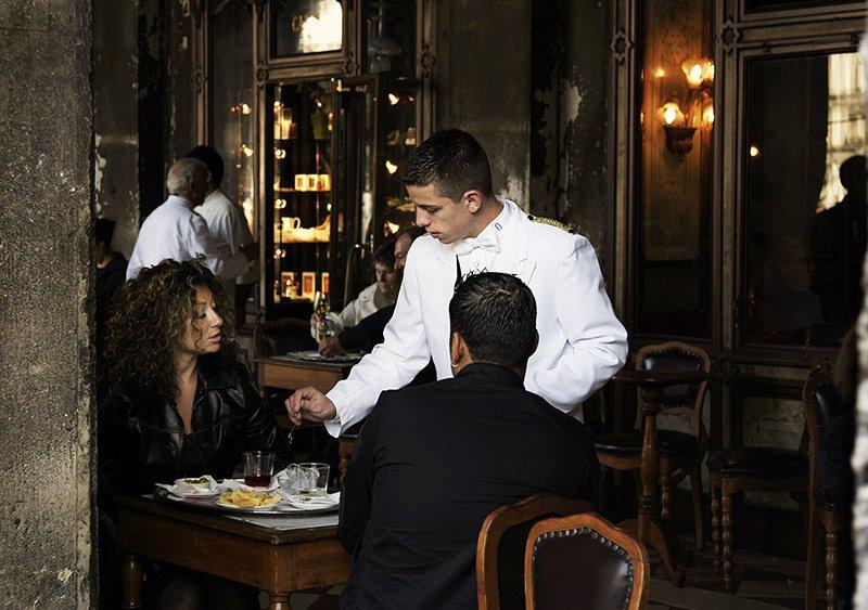 The-waiter-in-white.jpg