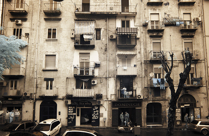 Living in apartments : Naples An image from Barlife exhibition at HIP