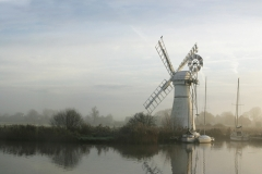 Clearing mist : Thurne